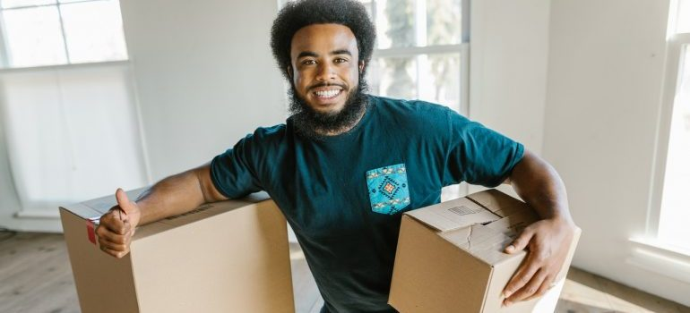 a team member of Dry Ridge movers